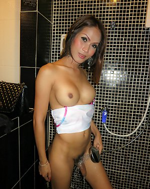 Shemale In Shower Porn