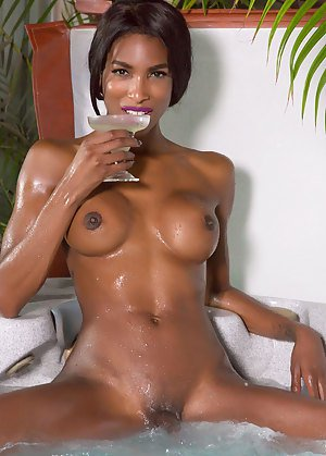 Oiled Shemale Porn