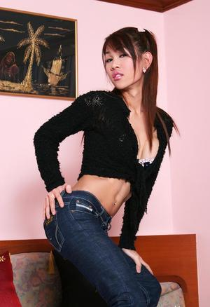 Shemale In Jeans Porn